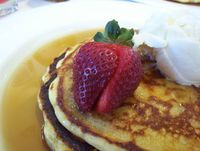 794px-Strawberry_on_pancake