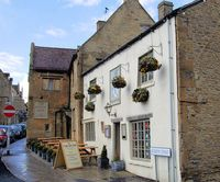 724px-Eagle_and_Child_Pub,_Stow-on-the-Wold