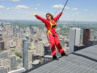 CNTower, EdgeWalk-Toronto, boldlygosolo